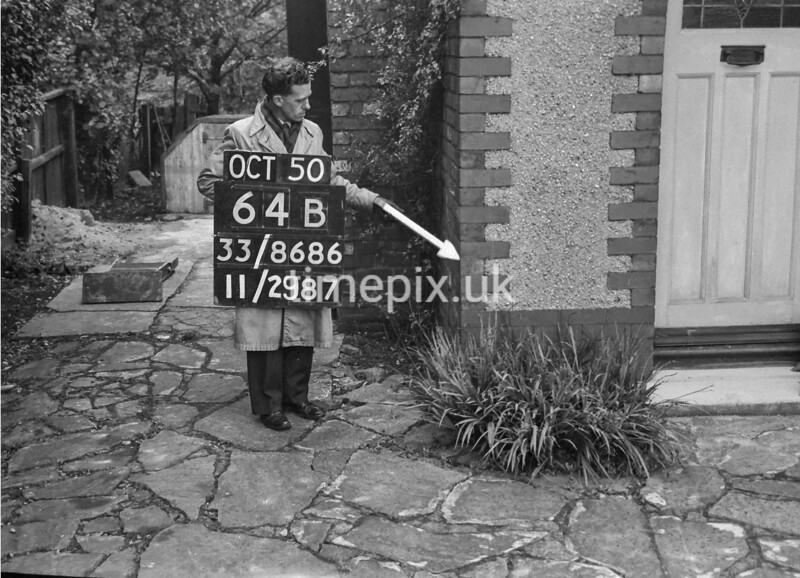 SJ868664B, Ordnance Survey Revision Point photograph in Greater Manchester