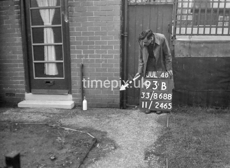 SJ868893B2, Ordnance Survey Revision Point photograph in Greater Manchester