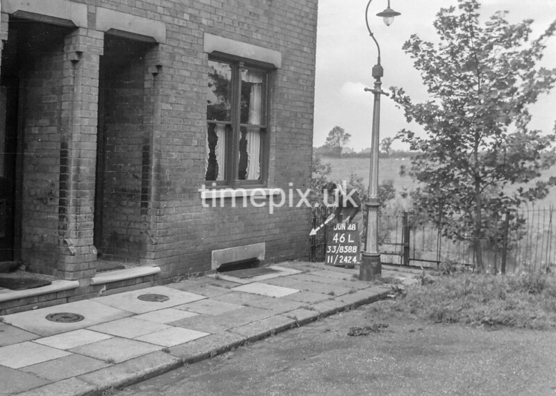 SJ858846L, Ordnance Survey Revision Point photograph in Greater Manchester