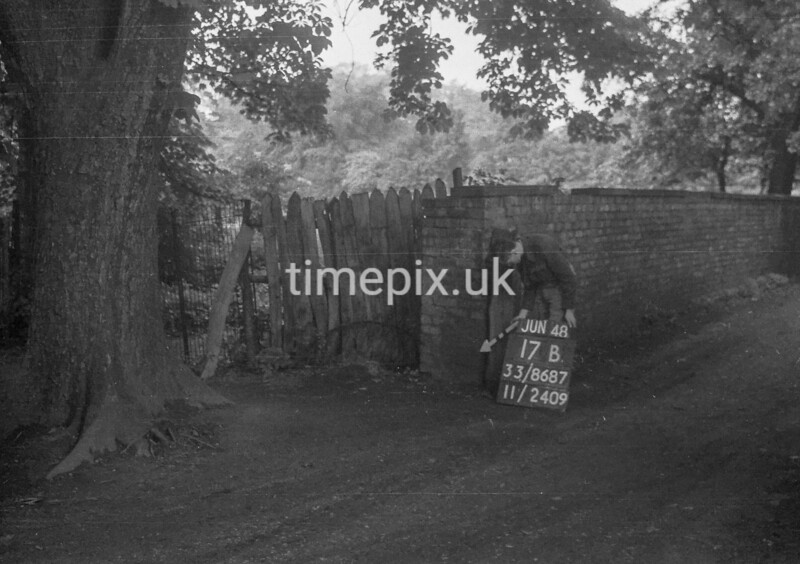 SJ868717B, Ordnance Survey Revision Point photograph in Greater Manchester