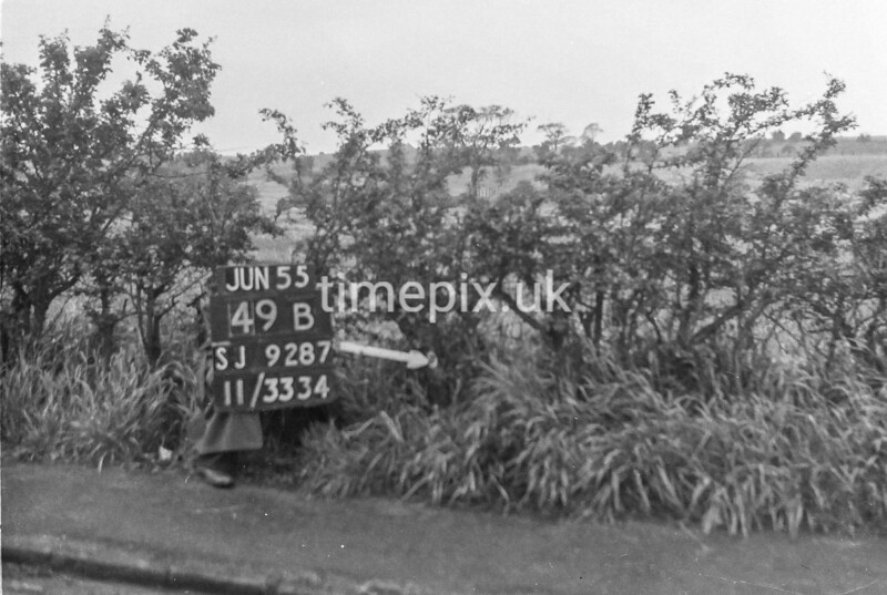 SJ928749B, Ordnance Survey Revision Point photograph in Greater Manchester