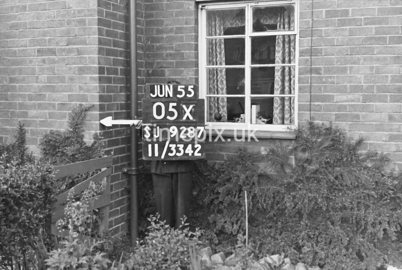 SJ928705X, Ordnance Survey Revision Point photograph in Greater Manchester