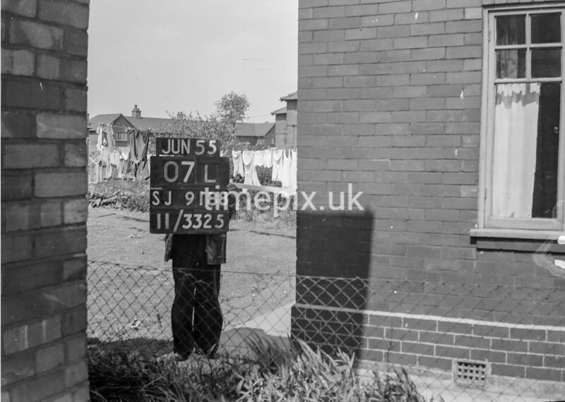 SJ918807L, Ordnance Survey Revision Point photograph in Greater Manchester