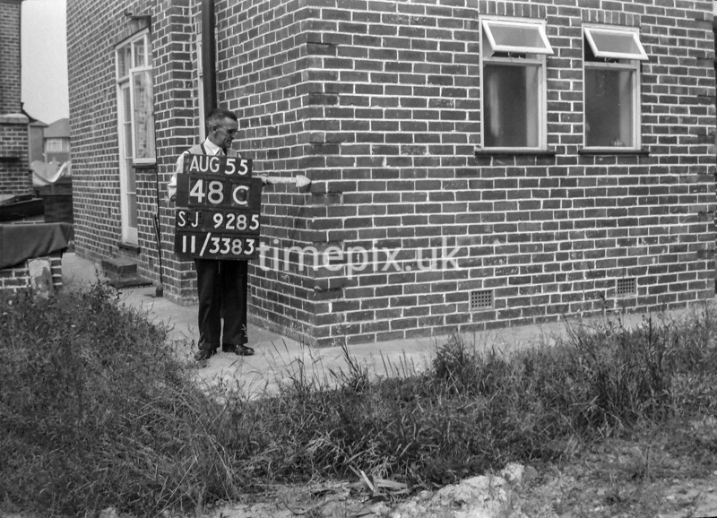SJ928548C, Ordnance Survey Revision Point photograph in Greater Manchester