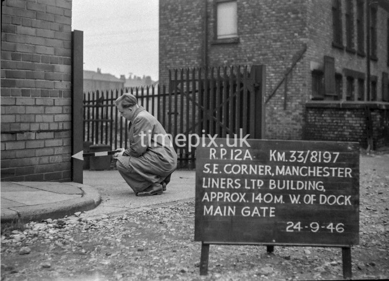 SJ819712A, Ordnance Survey Revision Point photograph in Greater Manchester