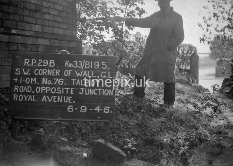 SJ819529B, Ordnance Survey Revision Point photograph in Greater Manchester