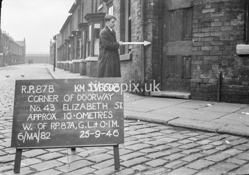 SJ869687B, Ordnance Survey Revision Point photograph in Greater Manchester