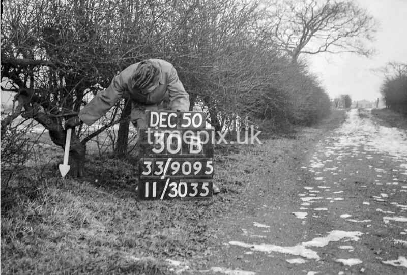 SJ909530B, Ordnance Survey Revision Point photograph in Greater Manchester
