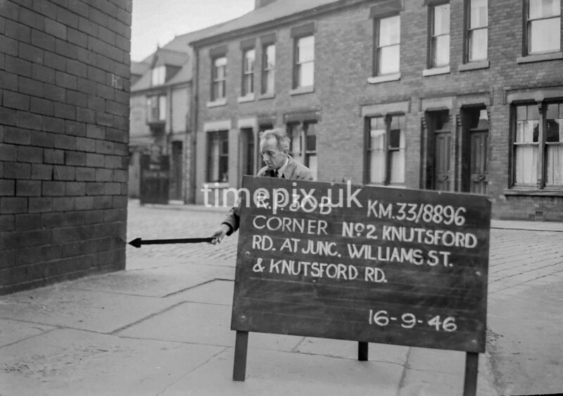 SJ889630B, Ordnance Survey Revision Point photograph in Greater Manchester