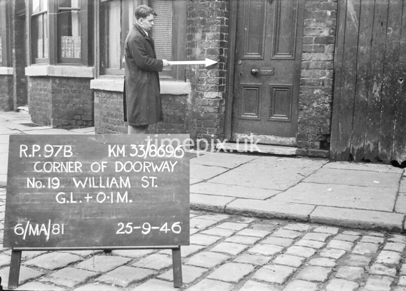 SJ869697B, Ordnance Survey Revision Point photograph in Greater Manchester