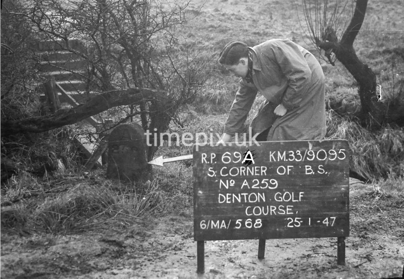 SJ909569A, Ordnance Survey Revision Point photograph in Greater Manchester