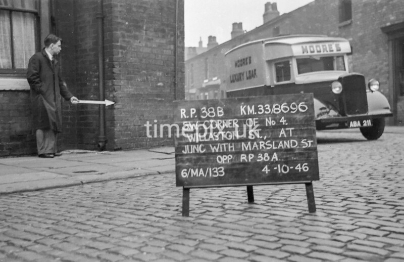 SJ869638B, Ordnance Survey Revision Point photograph in Greater Manchester