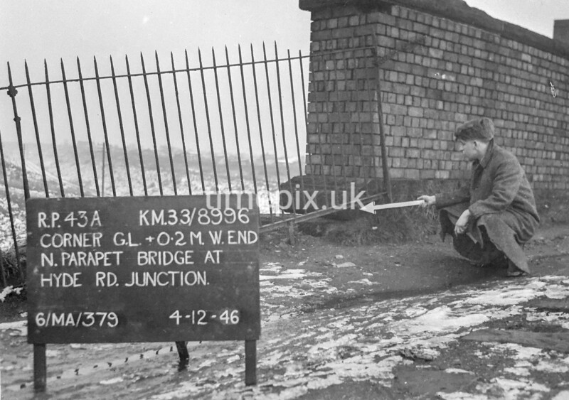 SJ899643A, Ordnance Survey Revision Point photograph in Greater Manchester