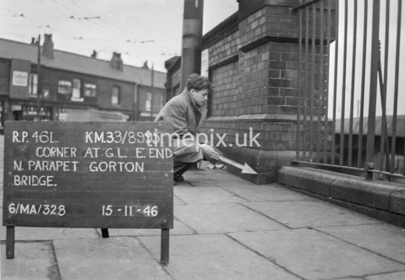 SJ899546L, Ordnance Survey Revision Point photograph in Greater Manchester