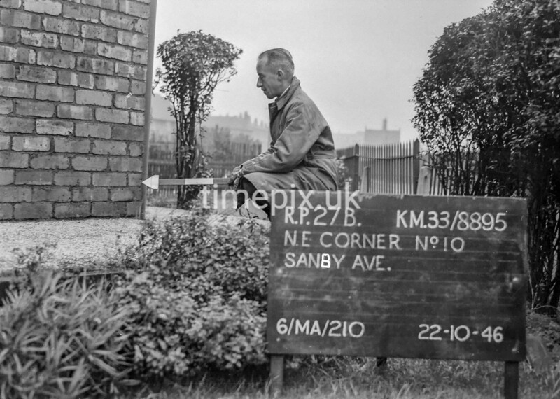 SJ889527B, Ordnance Survey Revision Point photograph in Greater Manchester