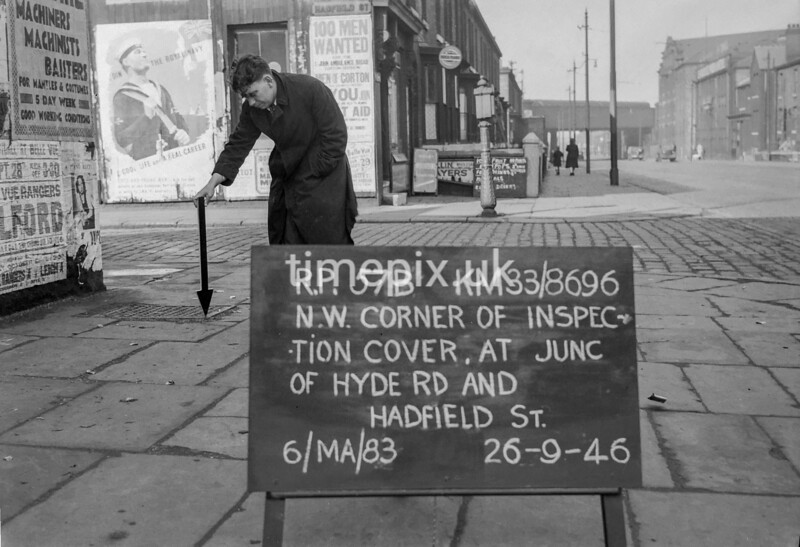 SJ869657B, Ordnance Survey Revision Point photograph in Greater Manchester