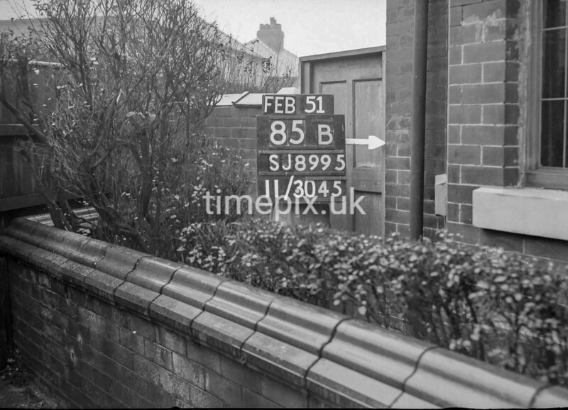 SJ899585B2, Ordnance Survey Revision Point photograph in Greater Manchester