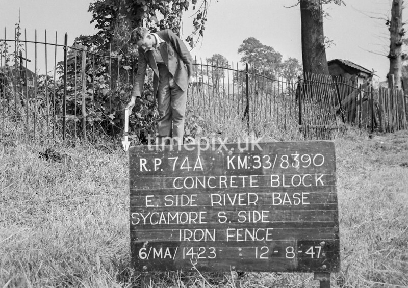 SJ839074A, Ordnance Survey Revision Point photograph in Greater Manchester