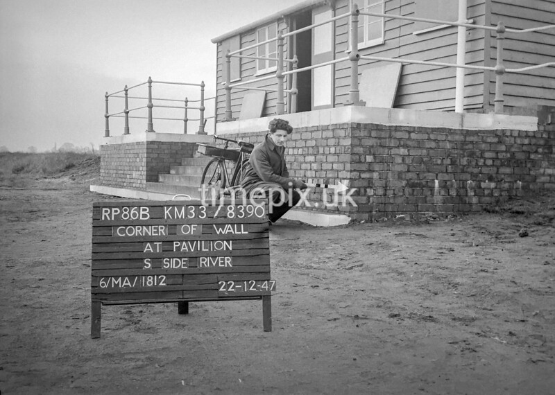 SJ839086B2, Ordnance Survey Revision Point photograph in Greater Manchester