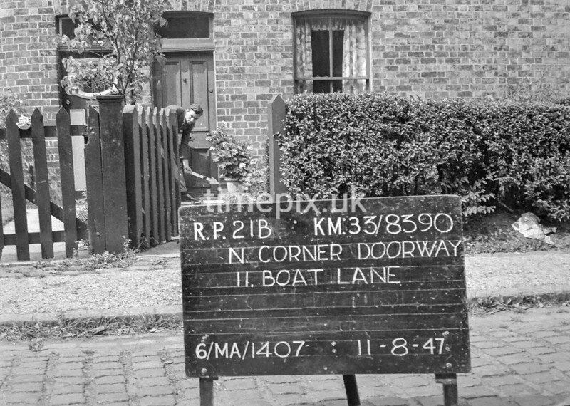 SJ839021B, Ordnance Survey Revision Point photograph in Greater Manchester