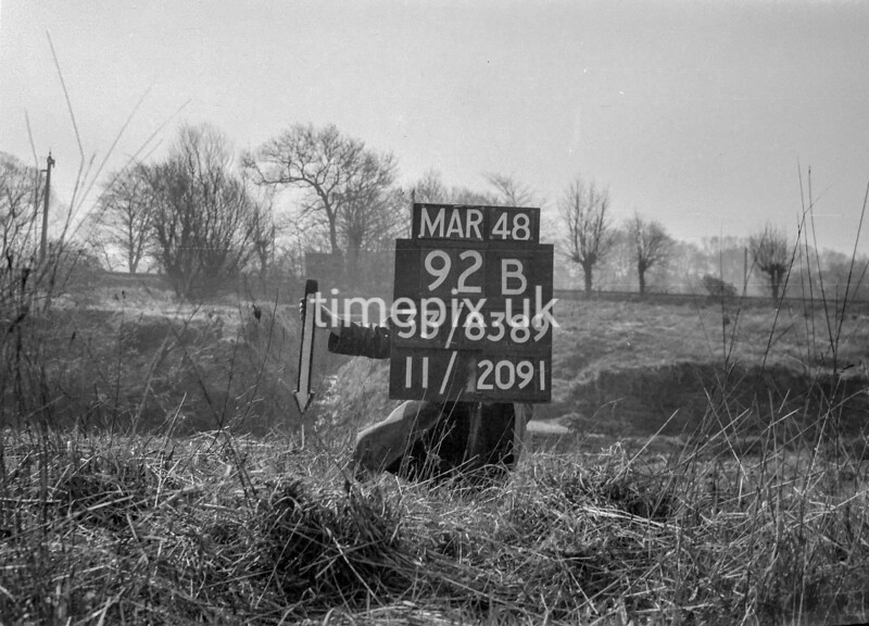 SJ838992B, Ordnance Survey Revision Point photograph in Greater Manchester