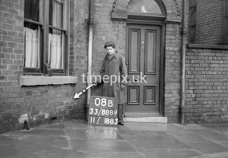 SJ888908B, Ordnance Survey Revision Point photograph in Greater Manchester