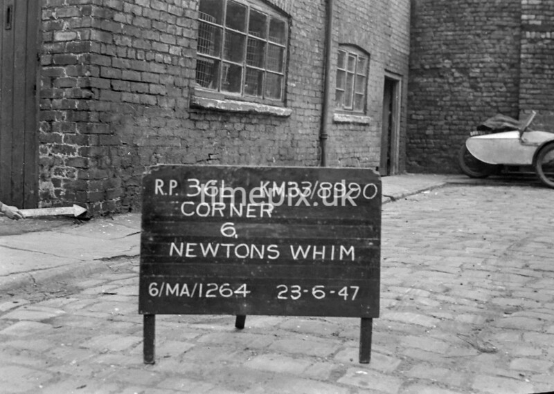SJ899036L, Ordnance Survey Revision Point photograph in Greater Manchester
