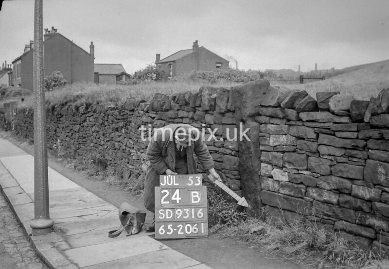 SD931624B, Ordnance Survey Revision Point photograph in Greater Manchester