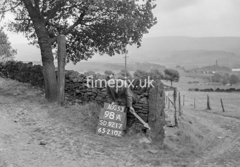 SD921798A, Ordnance Survey Revision Point photograph in Greater Manchester
