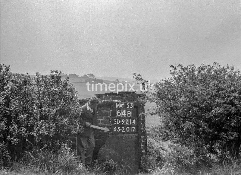 SD921464B, Ordnance Survey Revision Point photograph in Greater Manchester