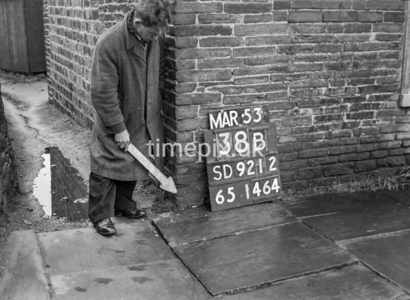 SD921238B, Ordnance Survey Revision Point photograph in Greater Manchester