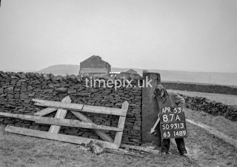 SD931387A, Ordnance Survey Revision Point photograph in Greater Manchester