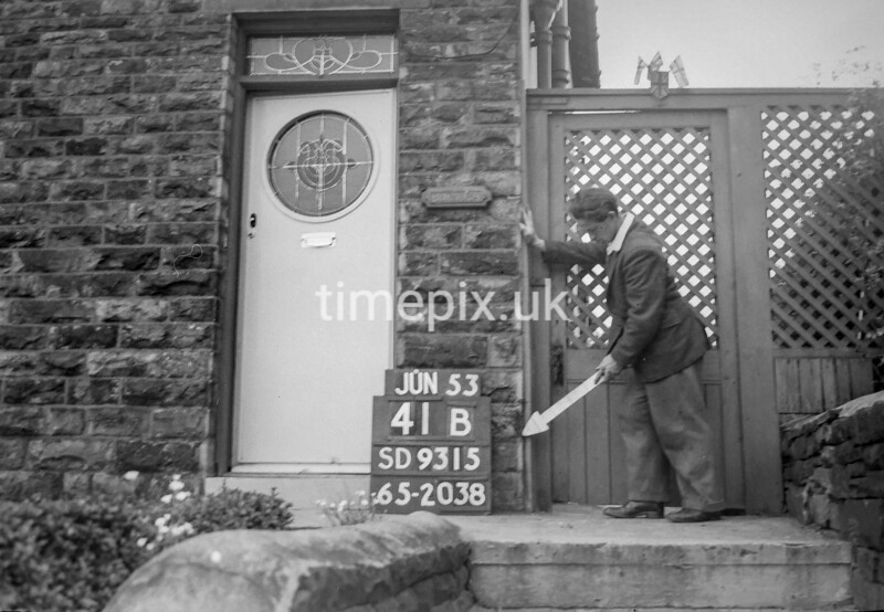 SD931541B, Ordnance Survey Revision Point photograph in Greater Manchester