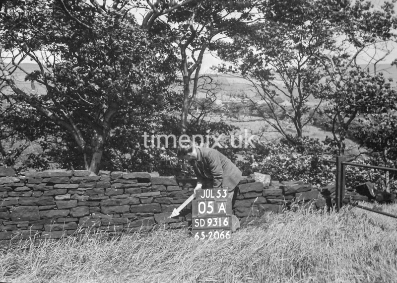 SD931605A, Ordnance Survey Revision Point photograph in Greater Manchester