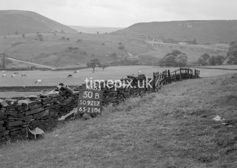 SD921750B, Ordnance Survey Revision Point photograph in Greater Manchester