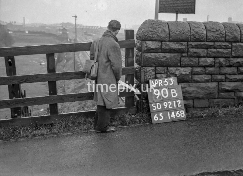 SD921290B, Ordnance Survey Revision Point photograph in Greater Manchester
