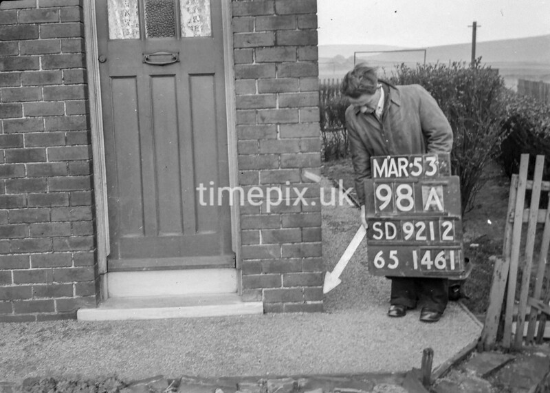 SD921298A, Ordnance Survey Revision Point photograph in Greater Manchester