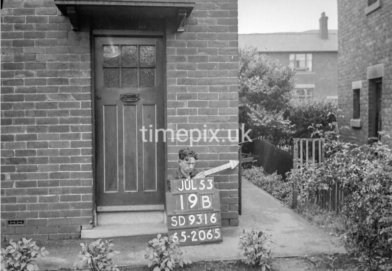 SD931619B, Ordnance Survey Revision Point photograph in Greater Manchester