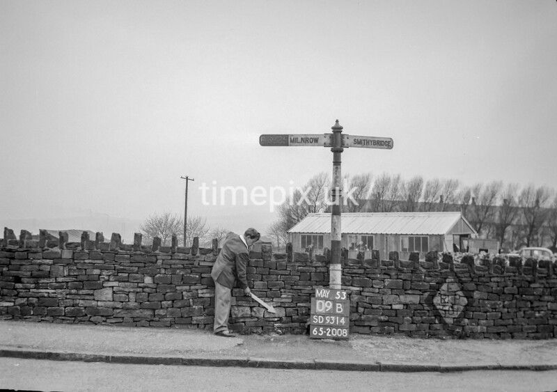 SD931409B, Ordnance Survey Revision Point photograph in Greater Manchester