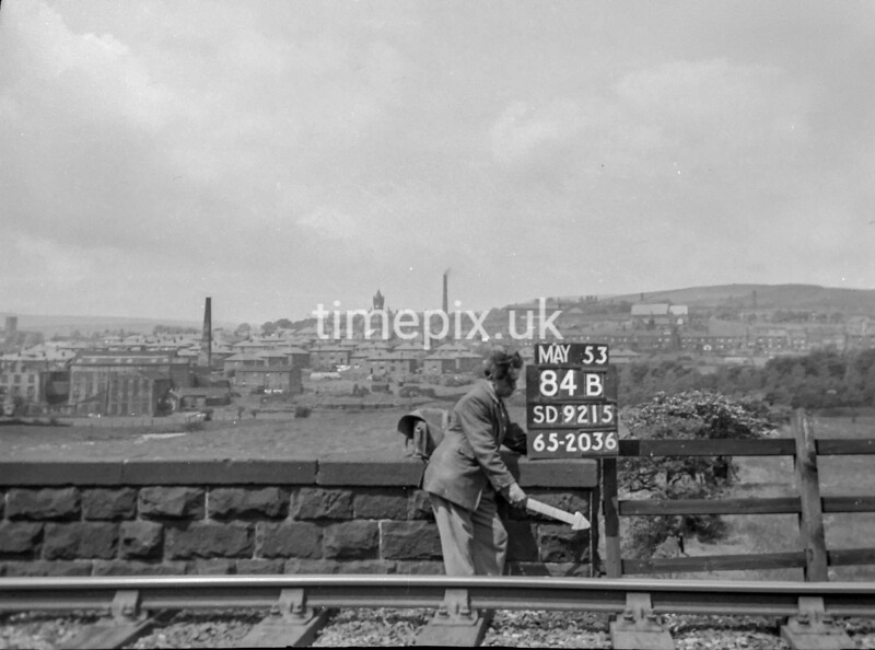 SD921584B, Ordnance Survey Revision Point photograph in Greater Manchester