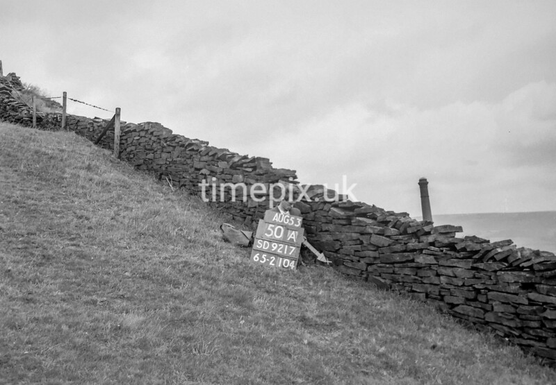 SD921750A, Ordnance Survey Revision Point photograph in Greater Manchester