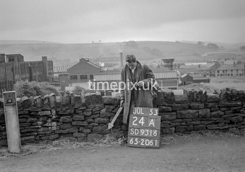 SD931624A, Ordnance Survey Revision Point photograph in Greater Manchester