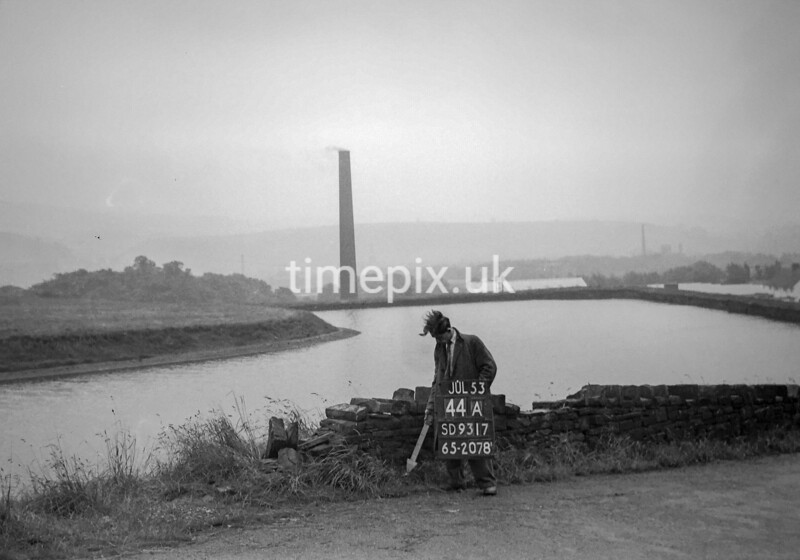 SD931744A, Ordnance Survey Revision Point photograph in Greater Manchester
