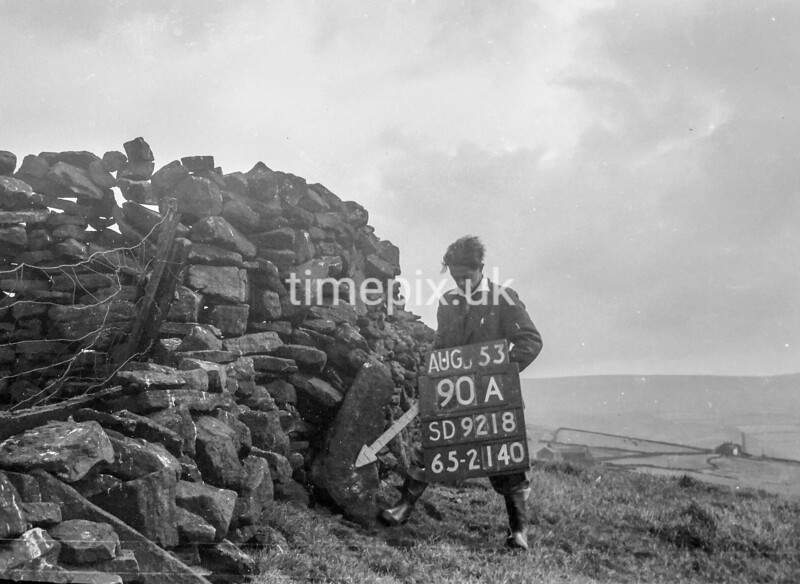 SD921890A, Ordnance Survey Revision Point photograph in Greater Manchester
