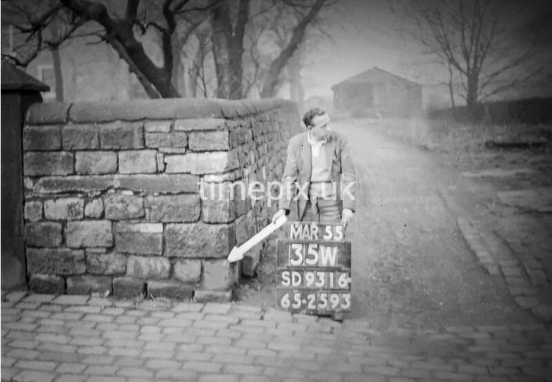 SD931635W, Ordnance Survey Revision Point photograph in Greater Manchester
