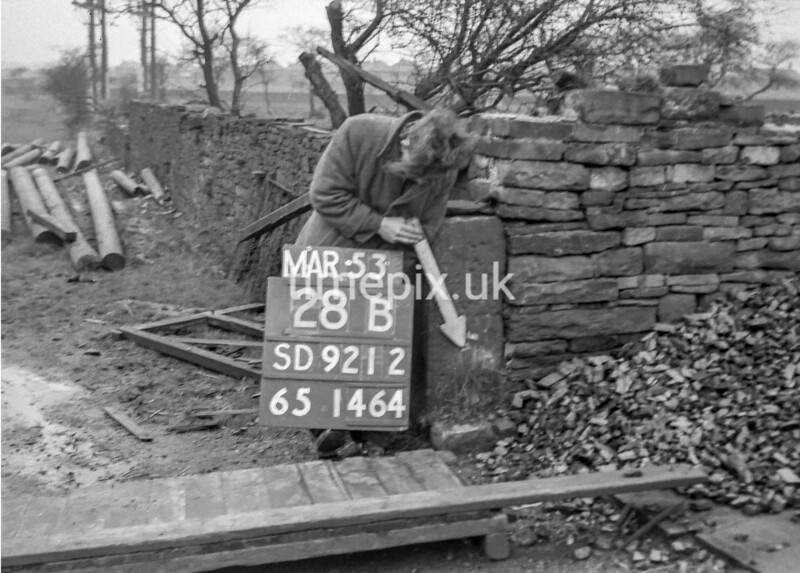 SD921228B, Ordnance Survey Revision Point photograph in Greater Manchester