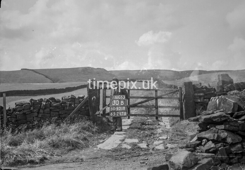 SD931830B, Ordnance Survey Revision Point photograph in Greater Manchester