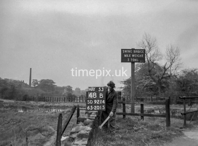 SD921448B, Ordnance Survey Revision Point photograph in Greater Manchester