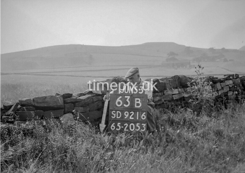 SD921663B, Ordnance Survey Revision Point photograph in Greater Manchester