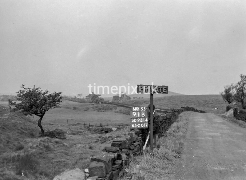 SD921491B, Ordnance Survey Revision Point photograph in Greater Manchester